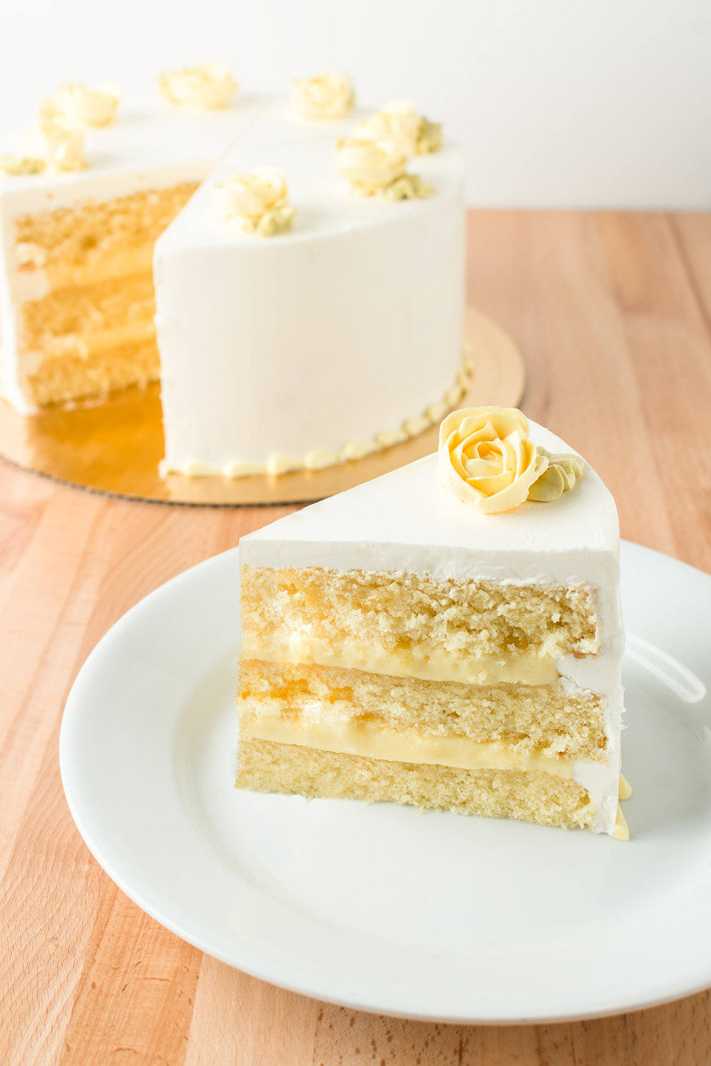 Lemon Curd Cake - La Crosse Bakery